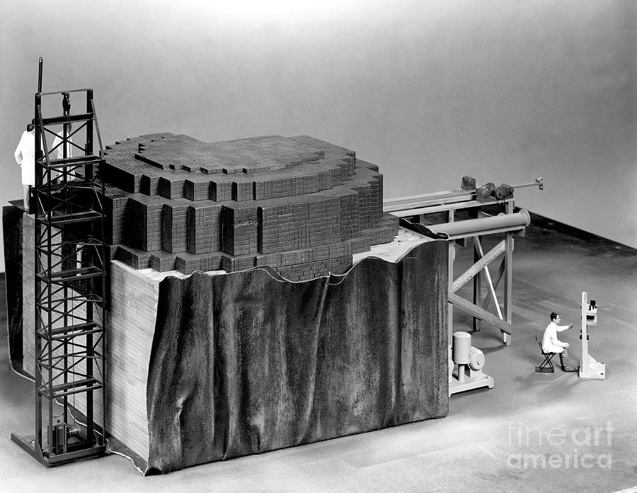 اول مفاعل نووي في العالم